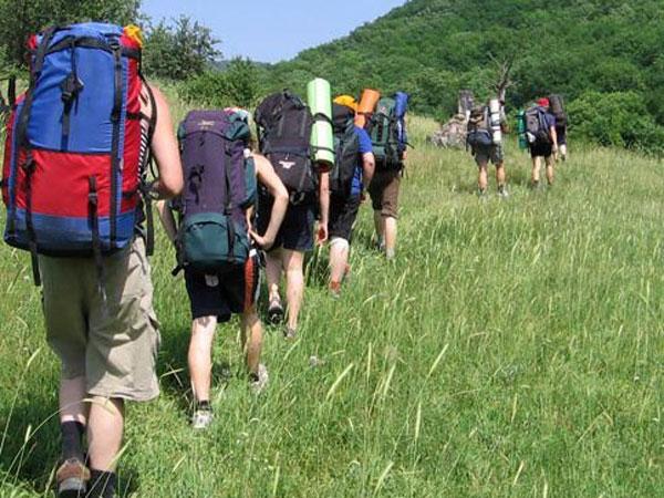 туристы собираясь в двухнедельный лодочный поход должны купить сухие продукты