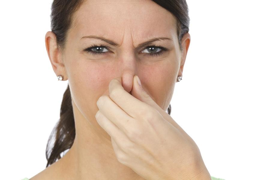 неприятный запах выделений